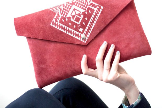 Pia envelope in red