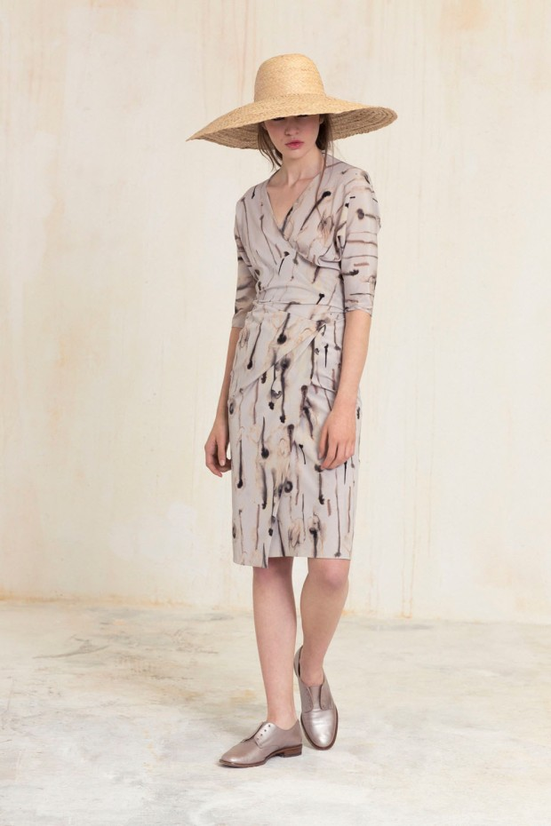 Nawa_vestido